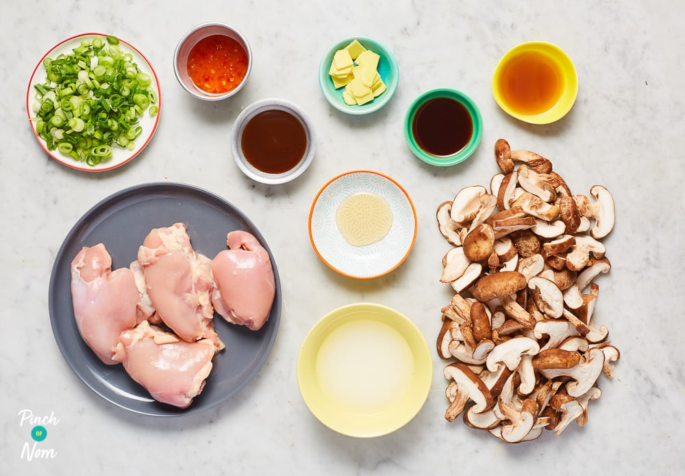 Chicken Shiitake and Mushroom Chilli Broth - Pinch of Nom Slimming Recipes