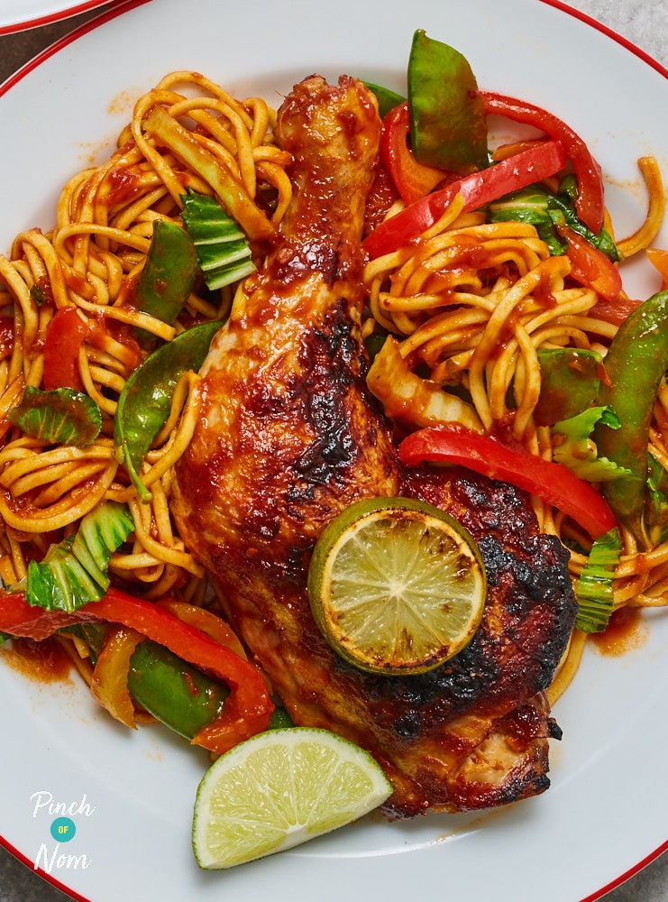 Sticky Chilli Chicken with Noodles - Pinch of Nom Slimming Recipes