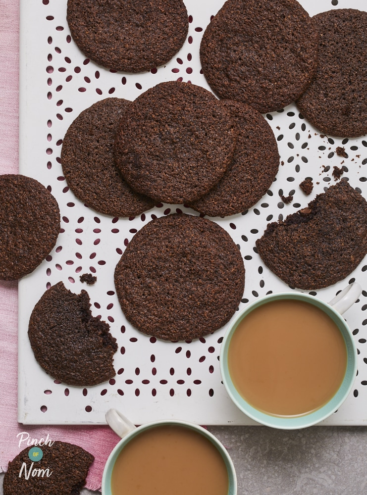 Double Chocolate Chip Cookies - Pinch of Nom Slimming Recipes