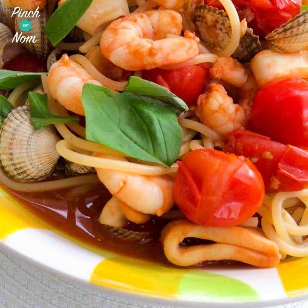 Seafood Pasta pinchofnom.com