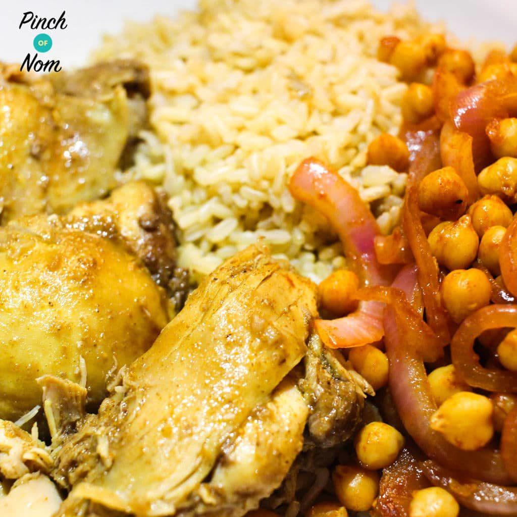 Easy Chicken Curry pinchofnom.com