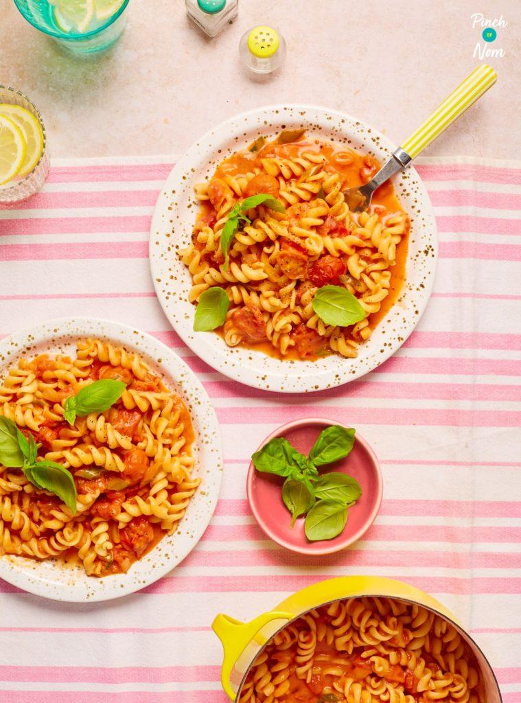 Creamy Tomato Vodka Pasta - Pinch of Nom Slimming Recipes