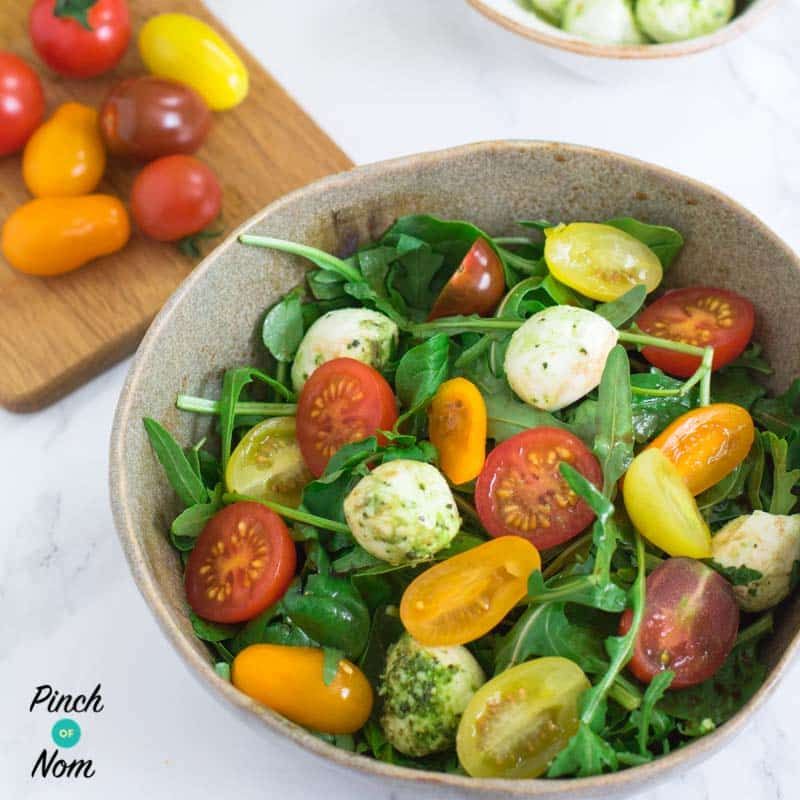 Tomato, Basil and Mozzarella Salad - Pinch of Nom Slimming Recipes
