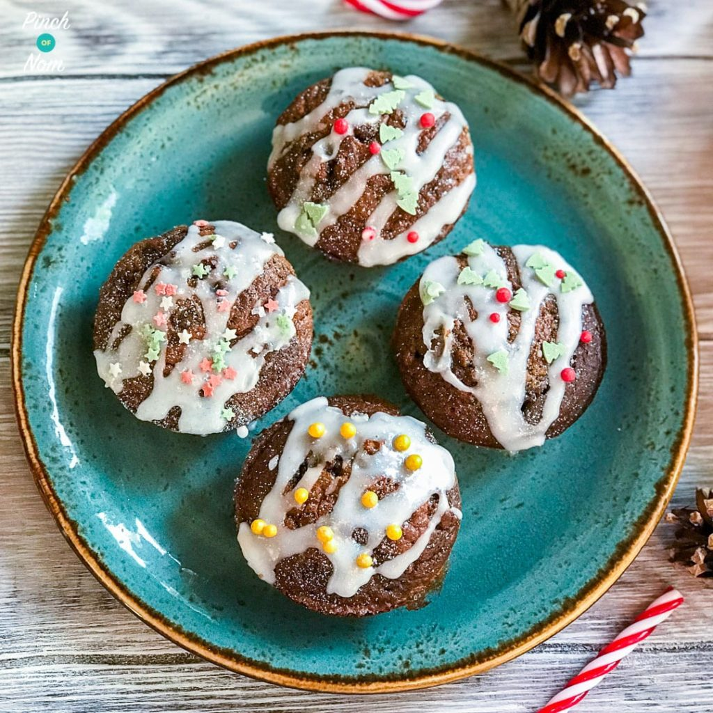 Mini Christmas Cakes pinchofnom.com