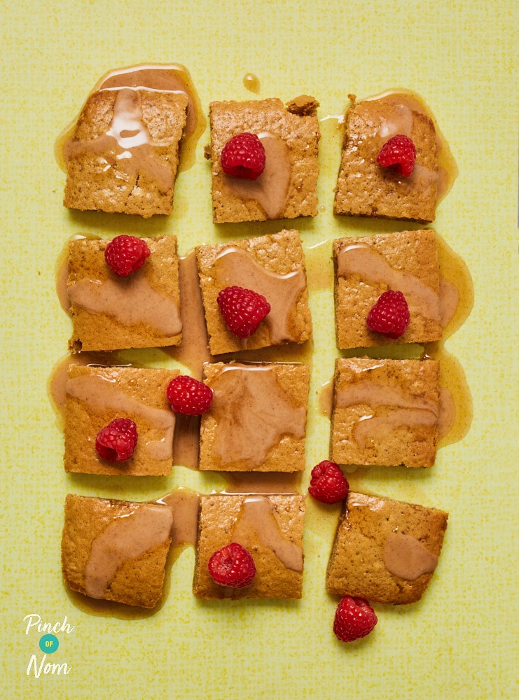 Cinnamon Drizzle Squares - Pinch of Nom Slimming Recipes