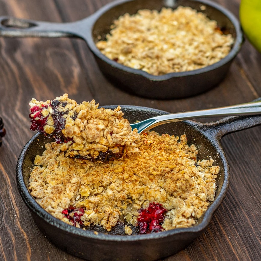 Apple and Blackberry Crumble - Pinch of Nom Slimming Recipes