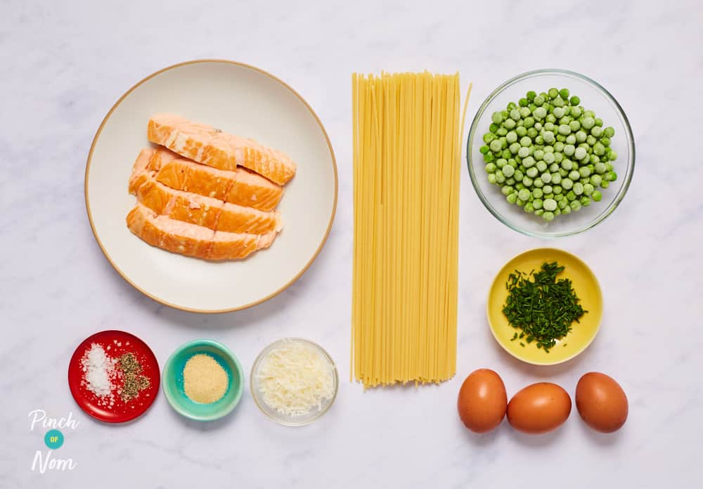 Smoked Salmon Spaghetti Carbonara - Pinch of Nom Slimming Recipes
