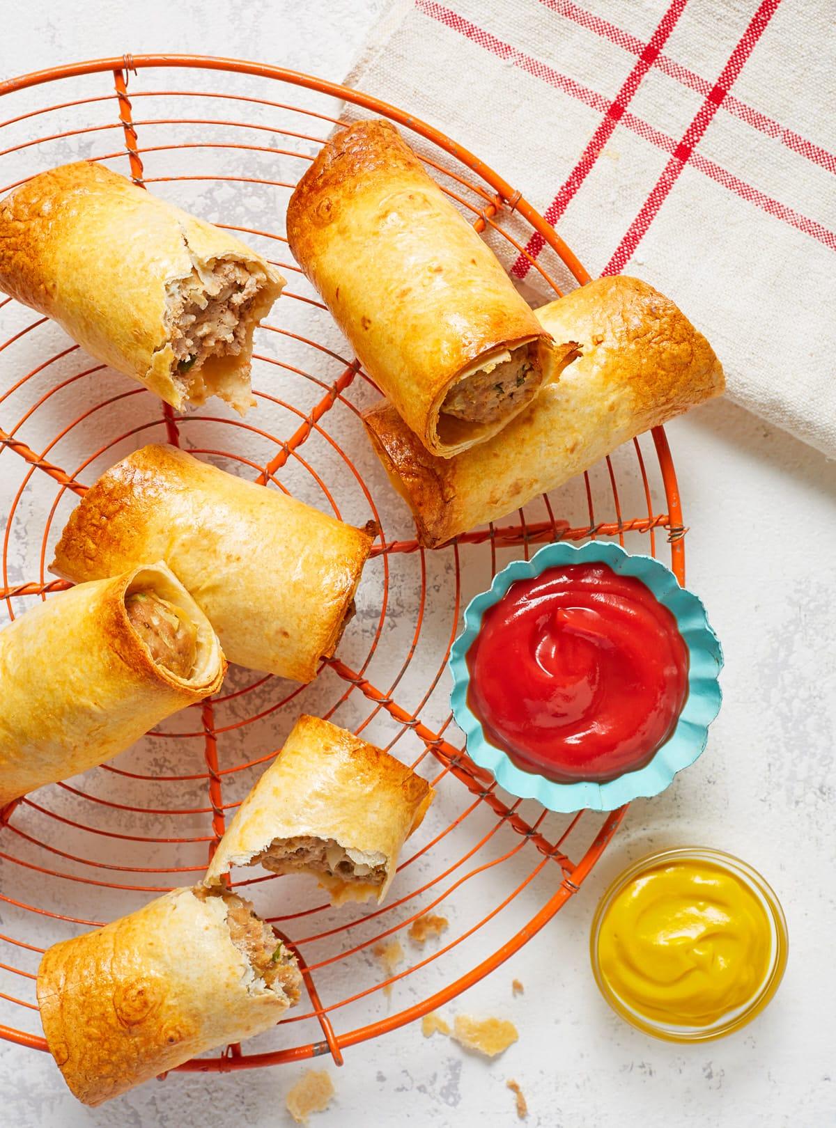 Sausage Rolls - Pinch of Nom Slimming Recipes