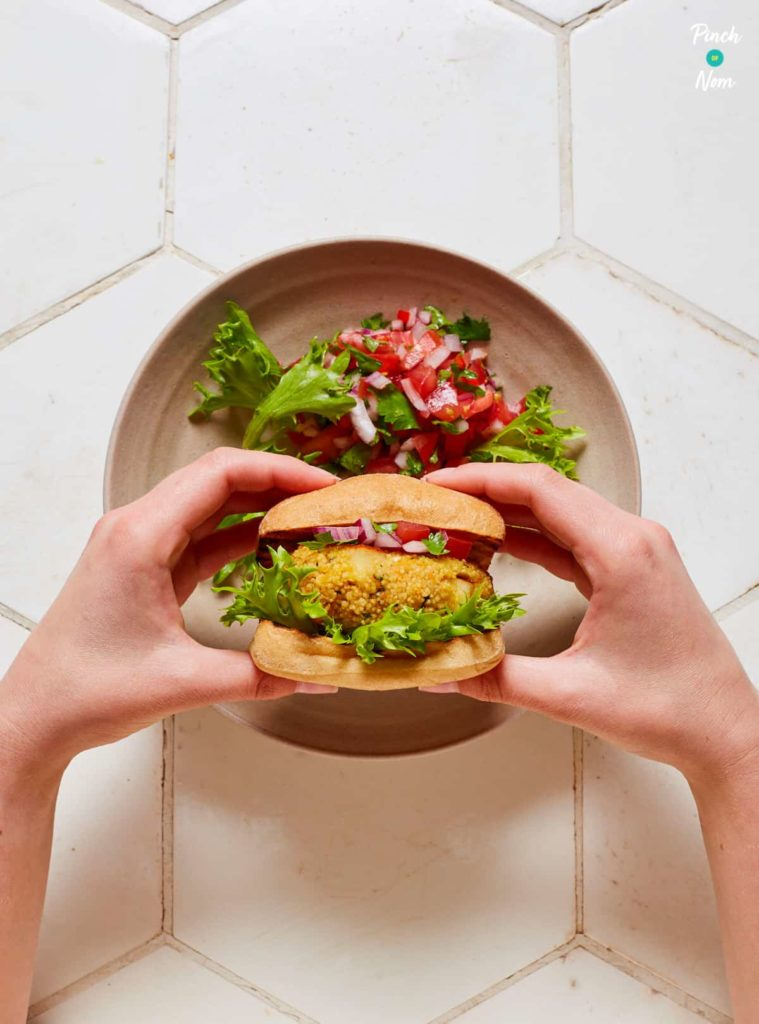 Halloumi Cous Cous Burgers with Salsa - Pinch of Nom Slimming Recipes