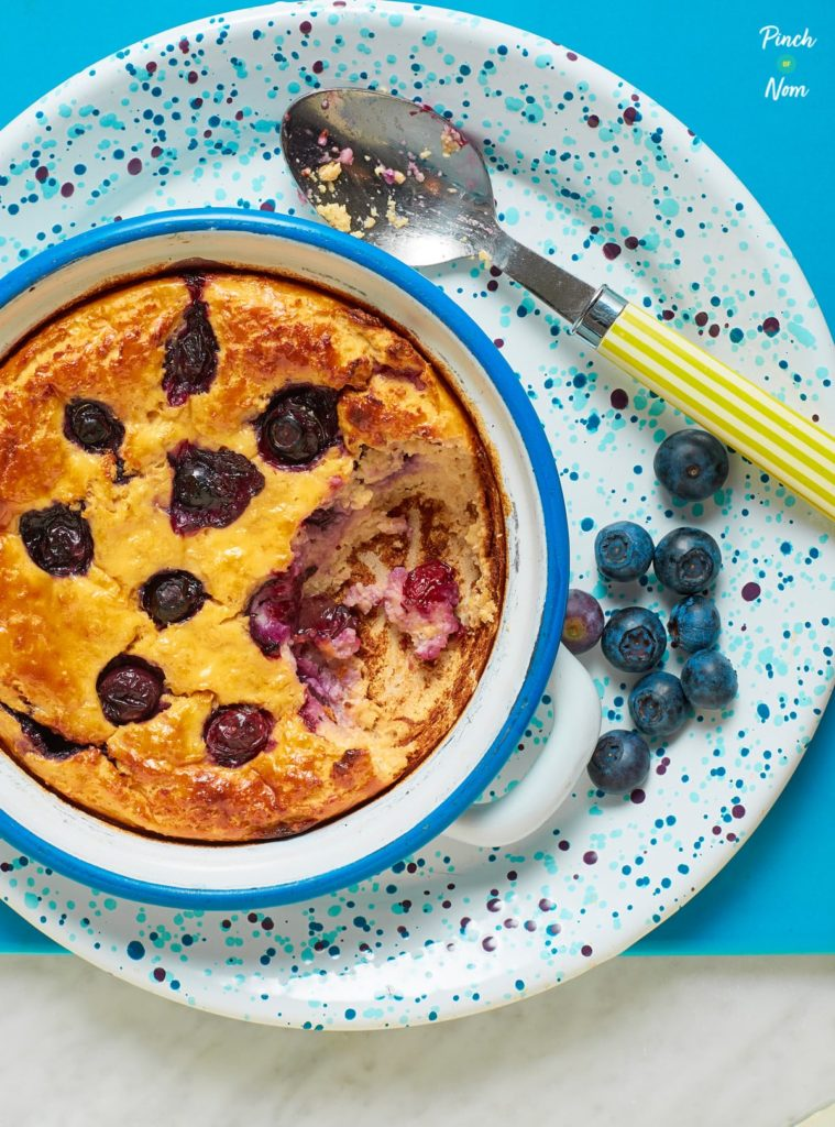 Lemon and Blueberry Baked Oats - Pinch of Nom Slimming Recipes