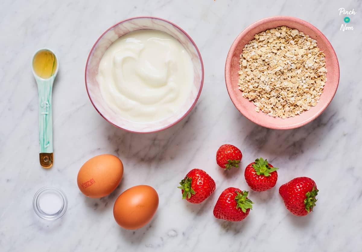 Strawberry and Vanilla Waffles - Pinch of Nom Slimming Recipes