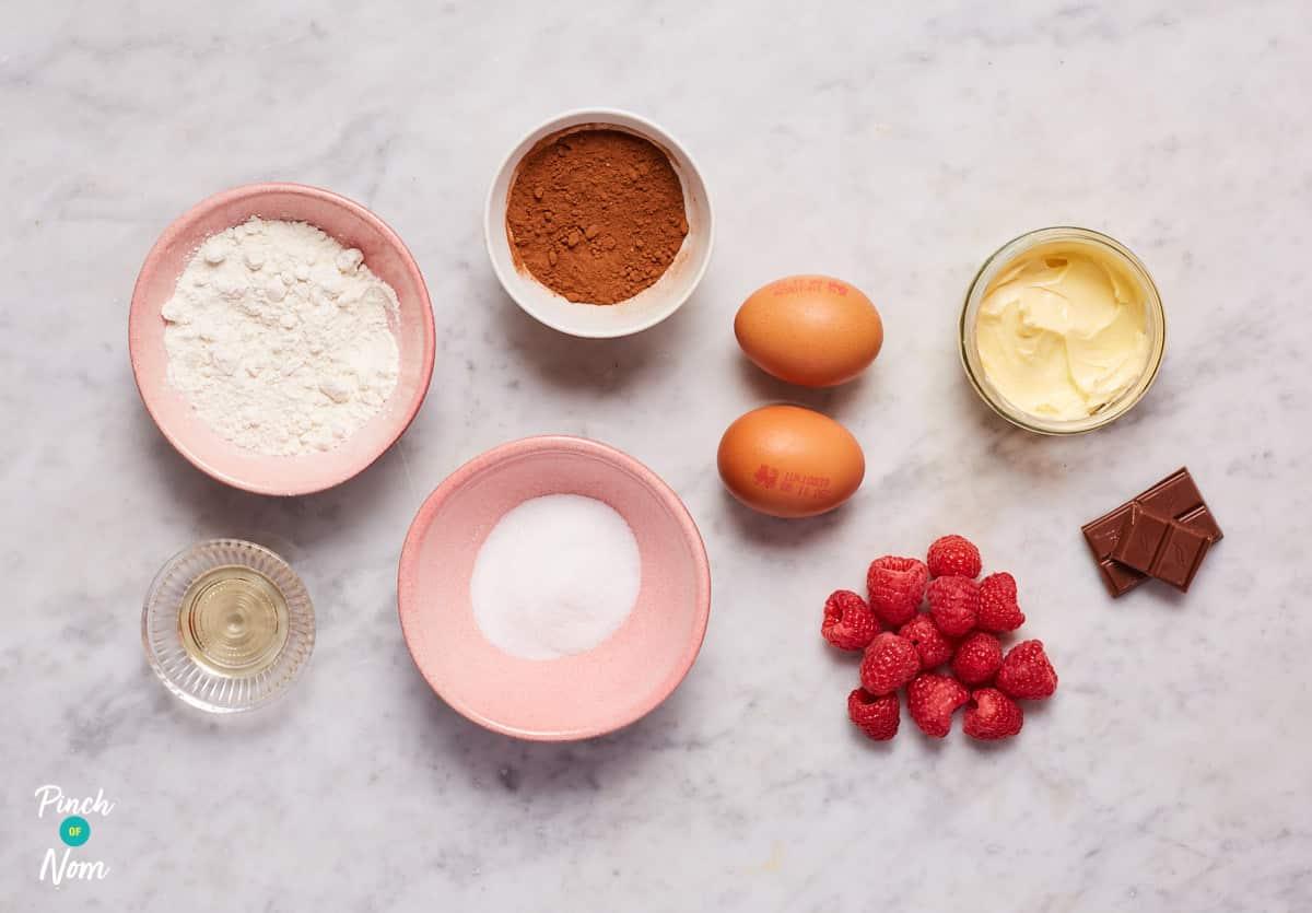 Chocolate Lava Mug Cakes - Pinch of Nom Slimming Recipes