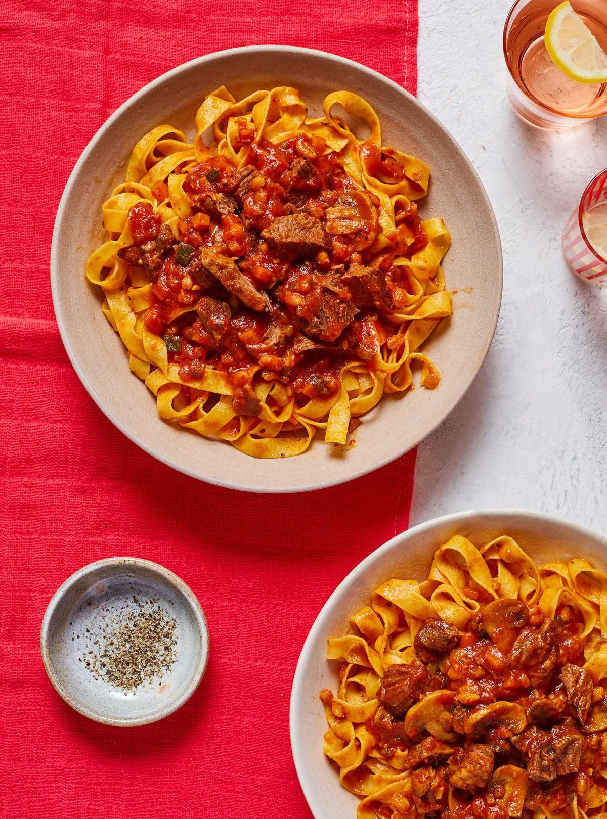 Beef Ragu Fettuccine - Pinch of Nom Slimming Recipes