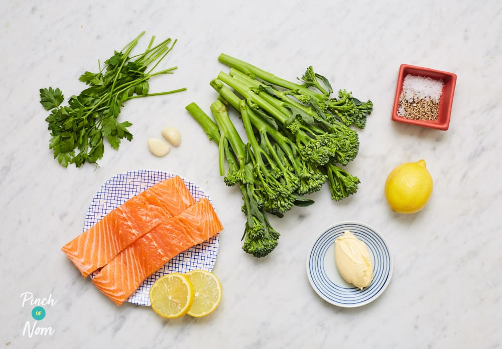 Baked Garlic Salmon - Pinch of Nom Slimming Recipes