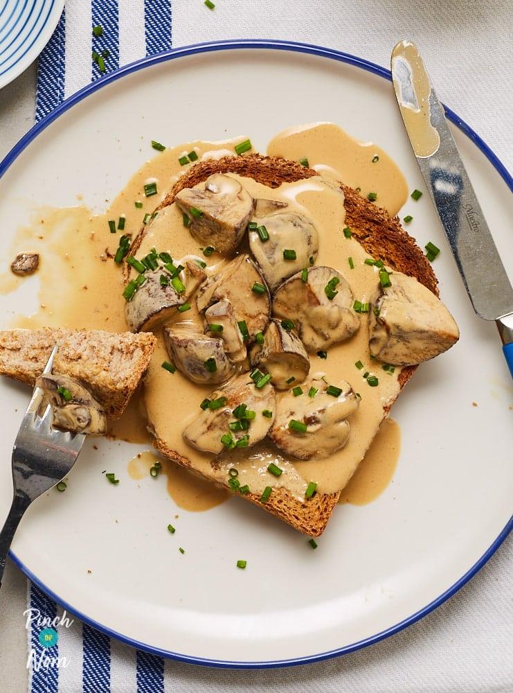 Marmite Mushrooms on Toast - Pinch of Nom Slimming Recipes