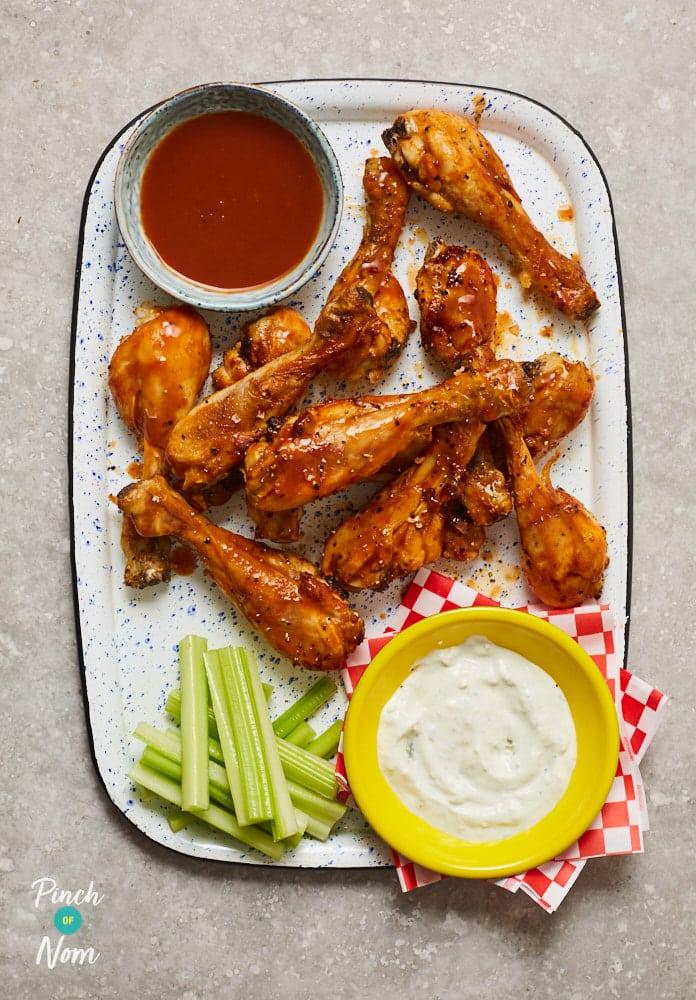 Fiery Buffalo Chicken Drumsticks - Pinch of Nom Slimming Recipes