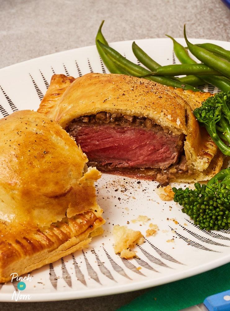 Beef Wellington - Pinch of Nom Slimming Recipes