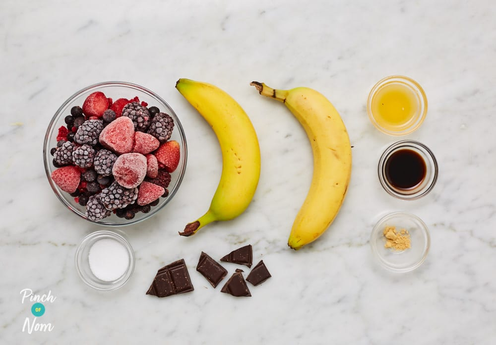 Winter Berry Ice Cream - Pinch of Nom Slimming Recipes