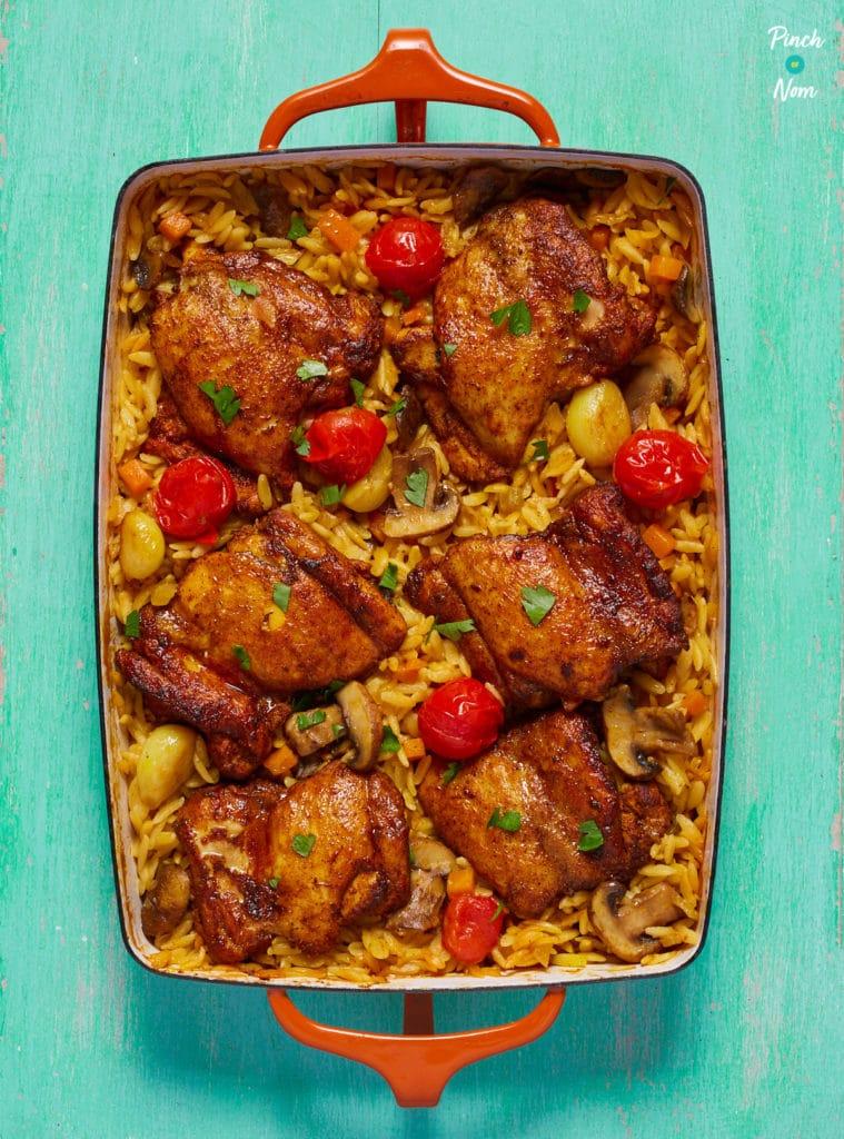 One Pot Mediterranean Chicken Orzo - Pinch of Nom Slimming Recipes
