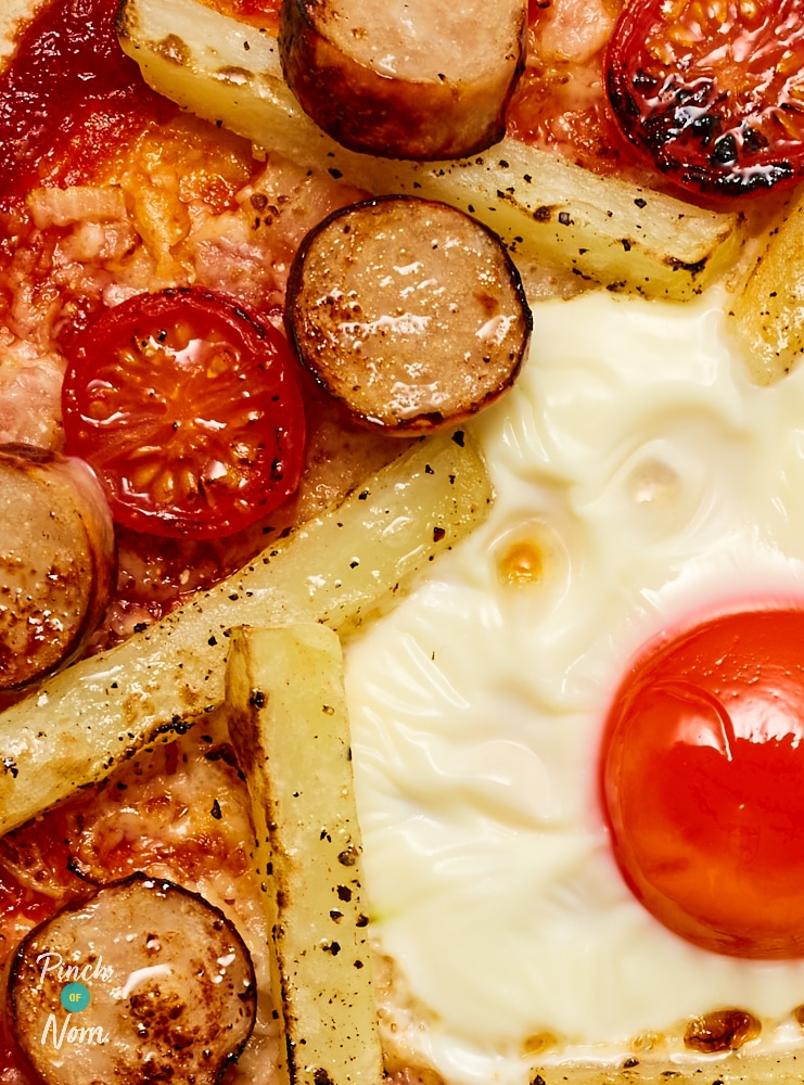 Sausage, Egg and Chips Pizza | Pinch of Nom Slimming Recipes
