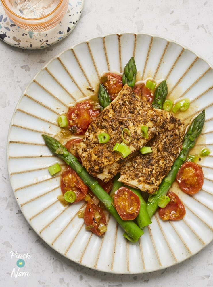 Cajun Baked Cod with Asparagus and Cherry Tomatoes - Pinch of Nom Slimming Recipes