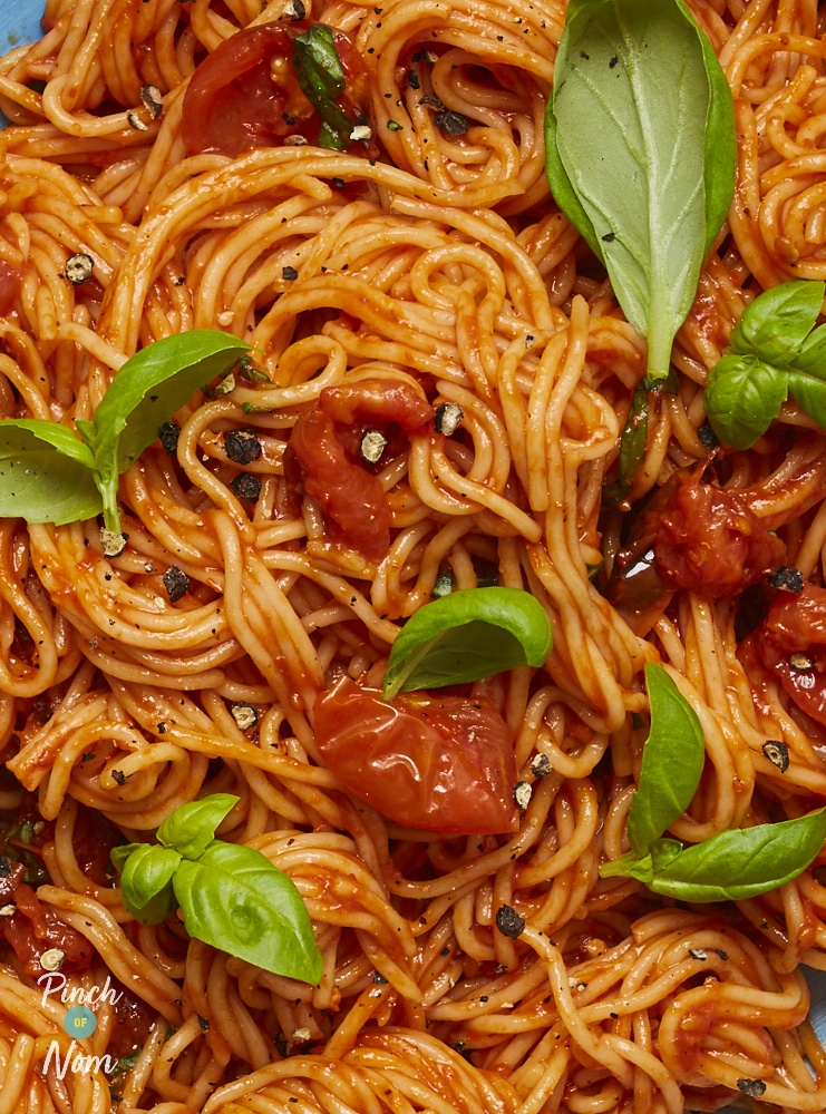 Roasted Red Pepper and Cherry Tomato Pasta - Pinch of Nom Slimming Recipes