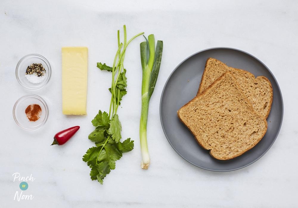 Cheesy Chilli Toastie - Pinch of Nom Slimming Recipes